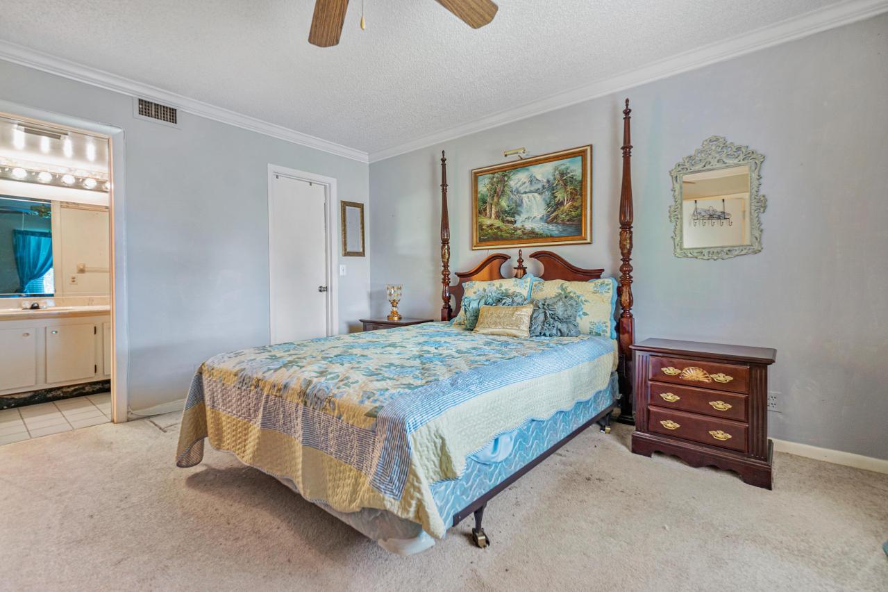7185 Golf Colony Court 105 Lake Worth, FL 33467 photo 15