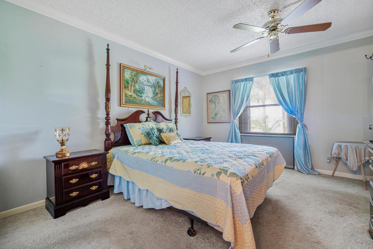 7185 Golf Colony Court 105 Lake Worth, FL 33467 photo 16