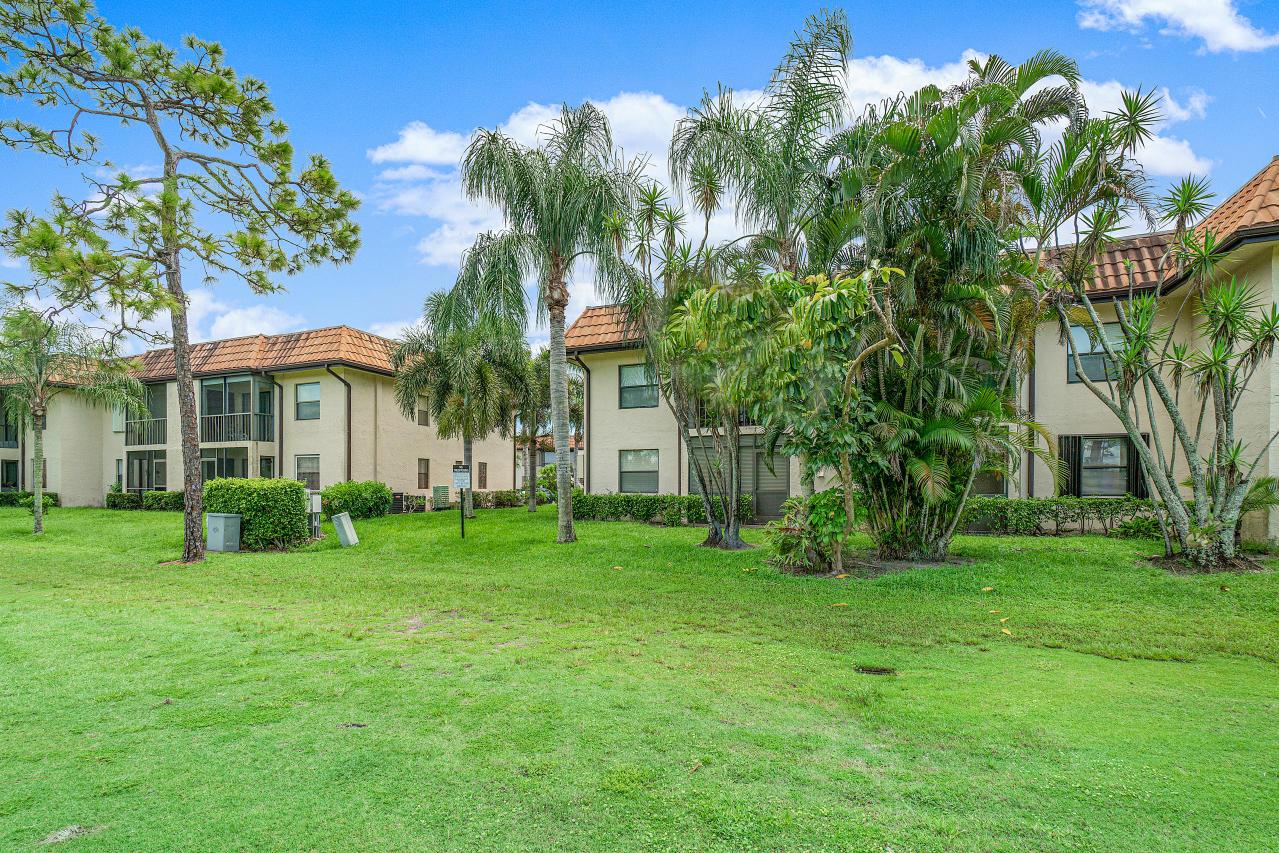 7185 Golf Colony Court 105 Lake Worth, FL 33467 photo 27