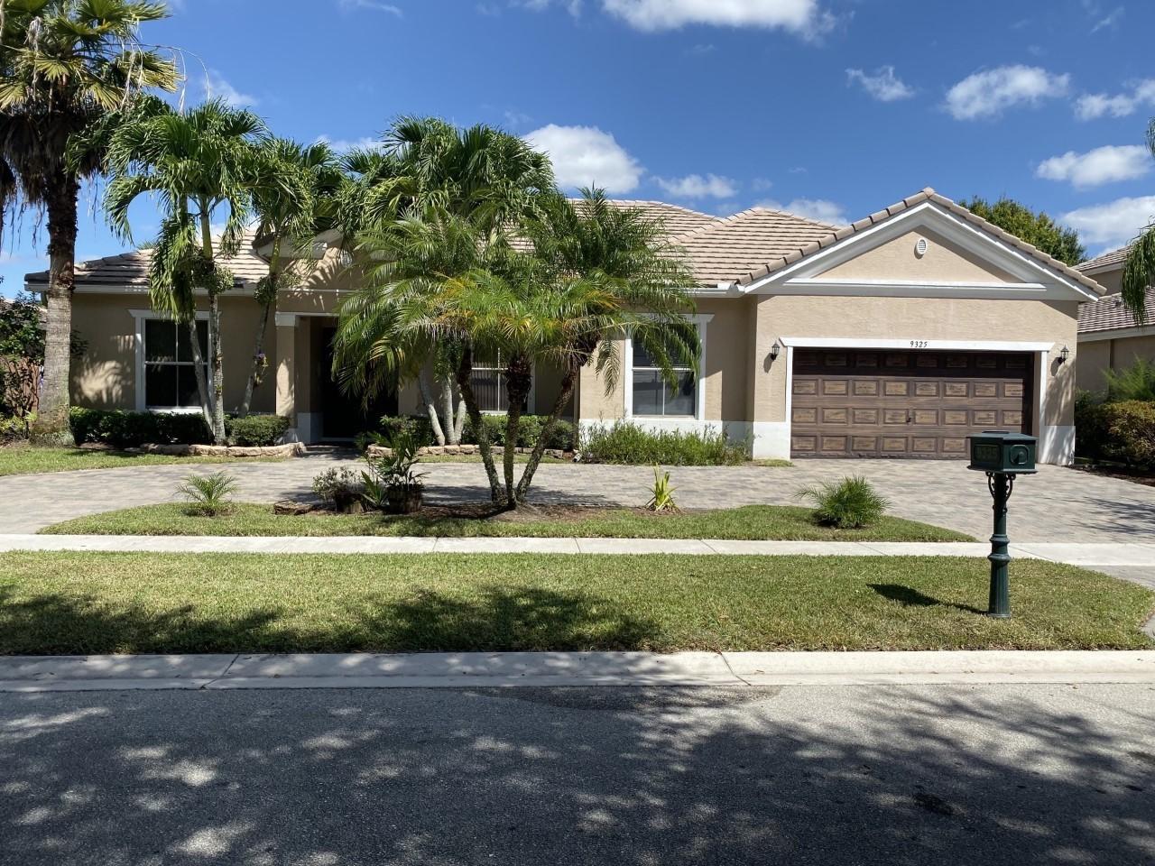 9325 Sedgewood Drive Lake Worth, FL 33467