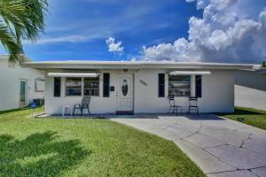 2378 SW 8th Avenue  For Sale 10647965, FL