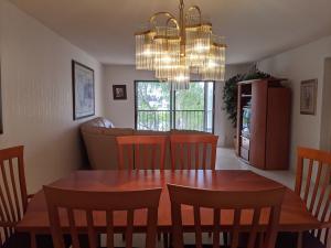7270  Ashford Place 302 For Sale 10648338, FL
