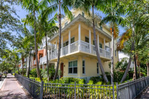100 SW 1st Avenue A For Sale 10648339, FL