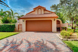 2070 NW 15th Place  For Sale 10648362, FL