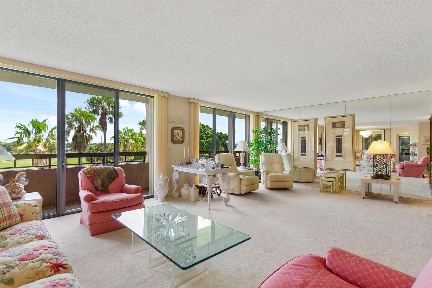 Home for sale in FOUNTAINS OF PALM BEACH CONDO 8 Lake Worth Florida