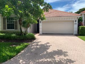 8281  Heritage Club Drive  For Sale 10649176, FL