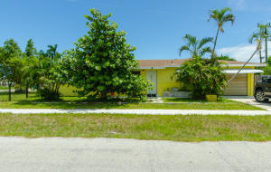 240 SW 6th Avenue  For Sale 10648600, FL