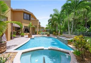 10376  Trianon Place  For Sale 10648031, FL