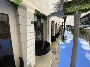 701 S Olive Avenue 104 For Sale 10648687, FL