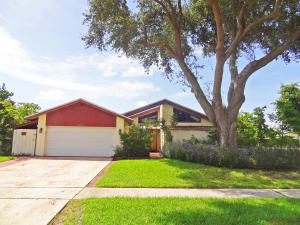 6264  Amberwoods Drive  For Sale 10648848, FL