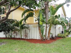 226  Seabreeze Circle  For Sale 10649491, FL