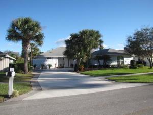 896  Lemongrass Lane  For Sale 10649114, FL