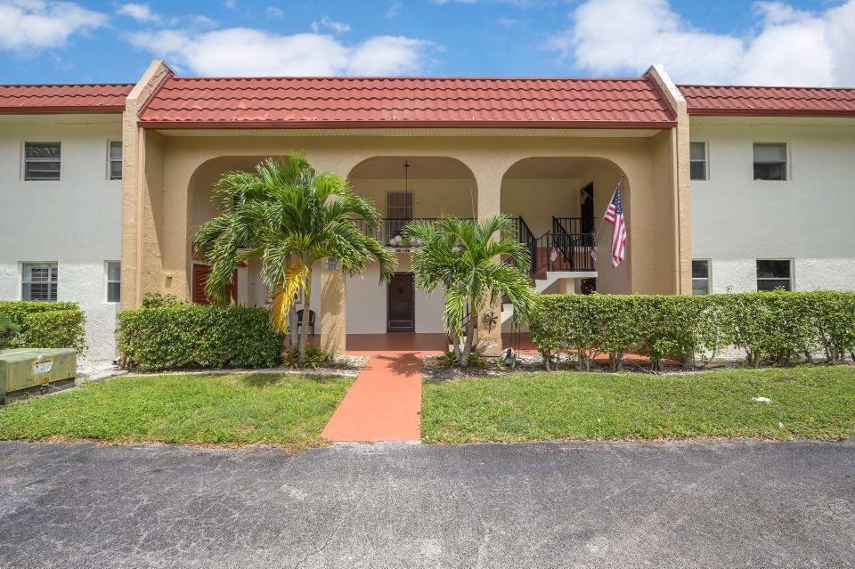 175 Lake Frances Drive West Palm Beach, FL 33411