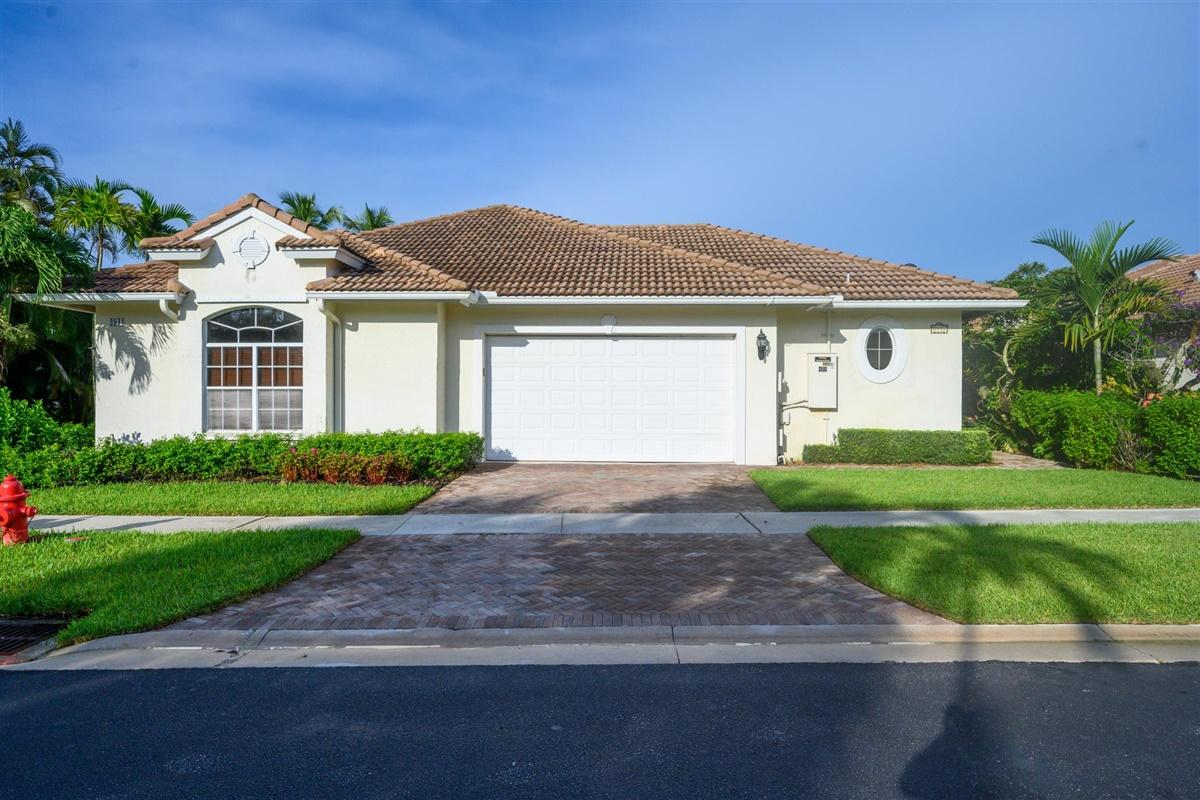 2931 Twin Oaks Way  Wellington FL 33414