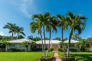 241  Bahama Lane  For Sale 10649377, FL
