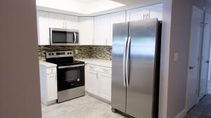 1571 SW 13th Street  For Sale 10649395, FL