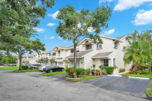 2237  Discovery Circle  For Sale 10649522, FL