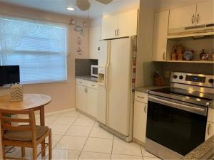 2036  Hythe B   For Sale 10649554, FL