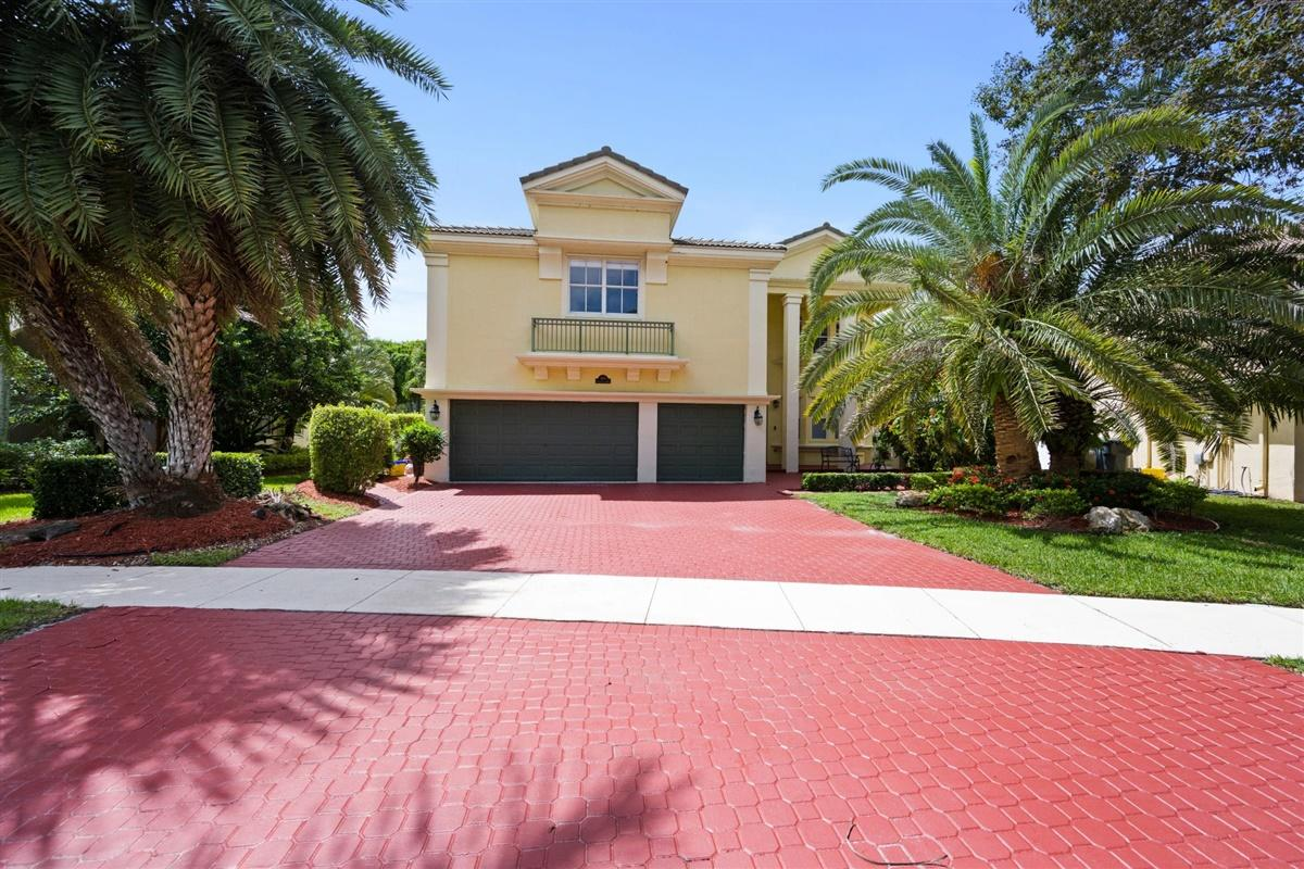 9601 Worswick Ct Court Wellington, FL 33414