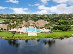 7925  Amethyst Lake Point  For Sale 10631745, FL