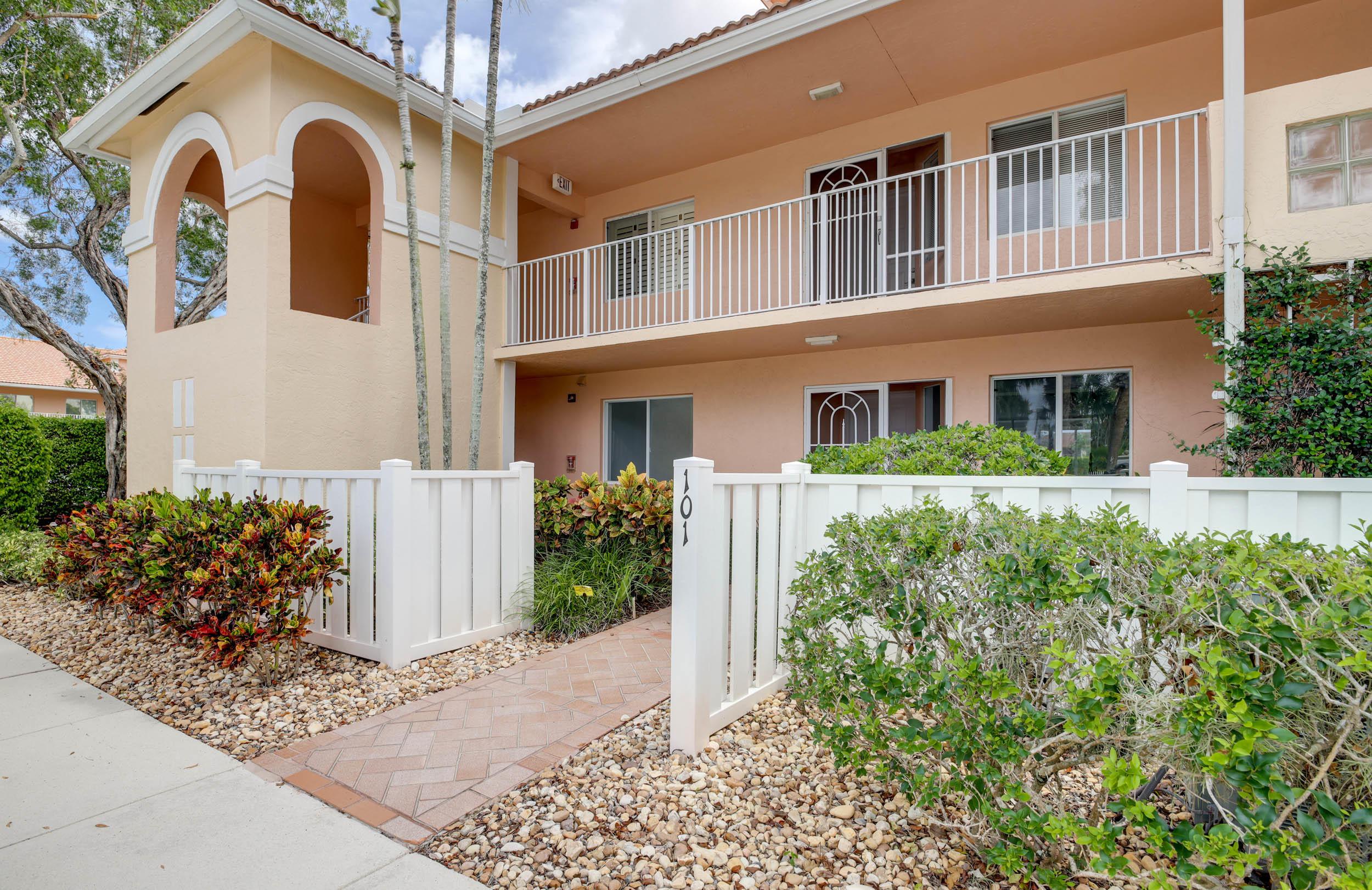 5914 Regal Glen Drive 101  Boynton Beach FL 33437