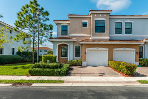 136 W Astor Circle  For Sale 10650192, FL
