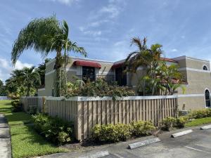 3935  Village Drive D For Sale 10649411, FL