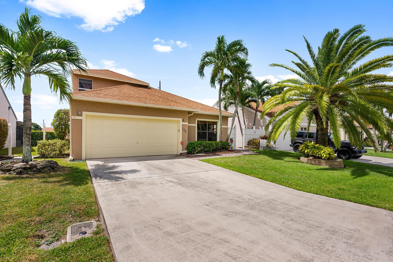142 Tara Lakes Drive  Boynton Beach, FL 33436
