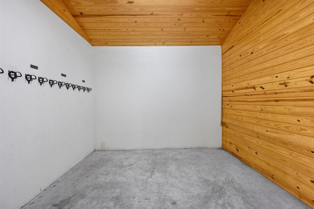 Tack room in 10-stall barn