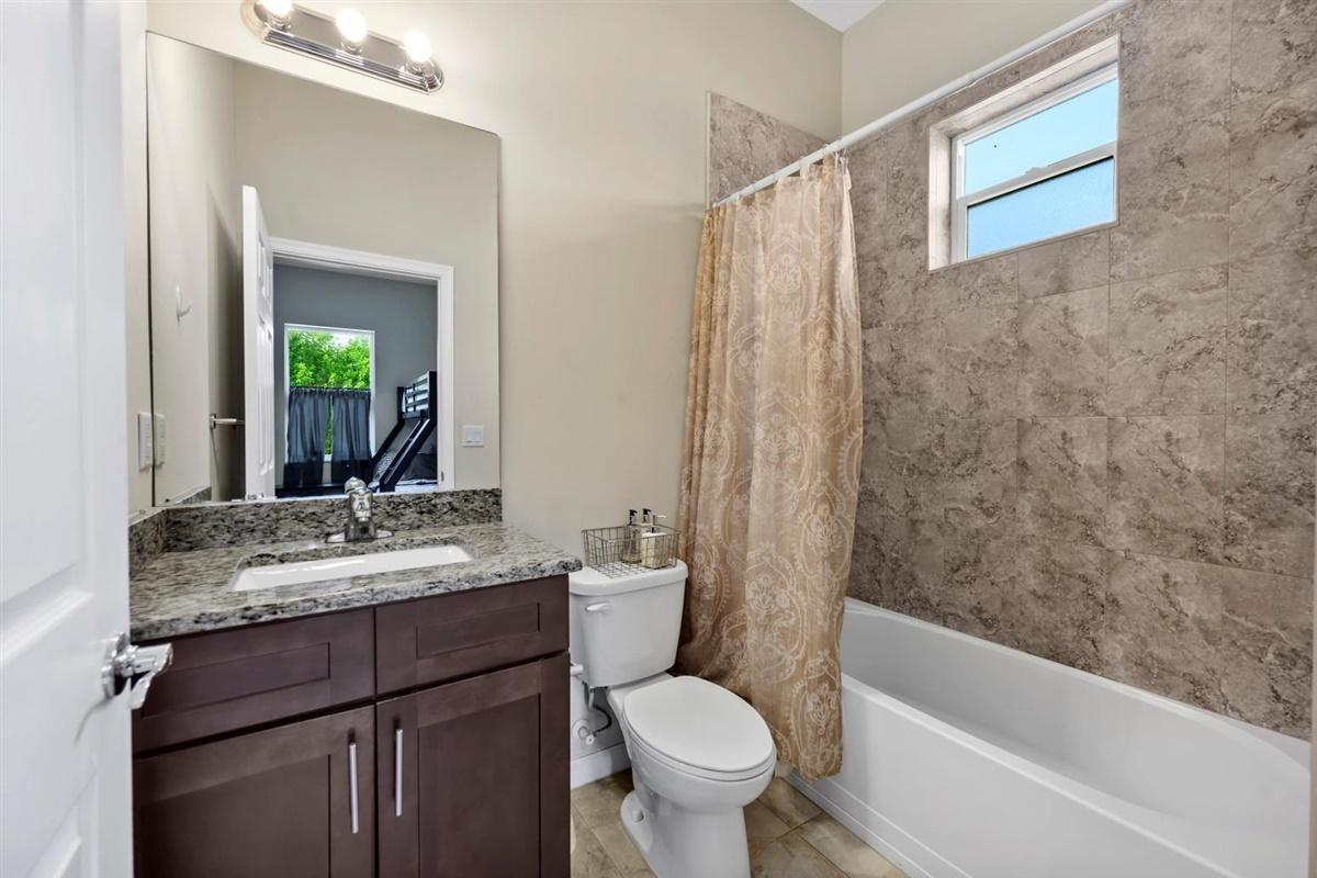 Groom's apt bathroom