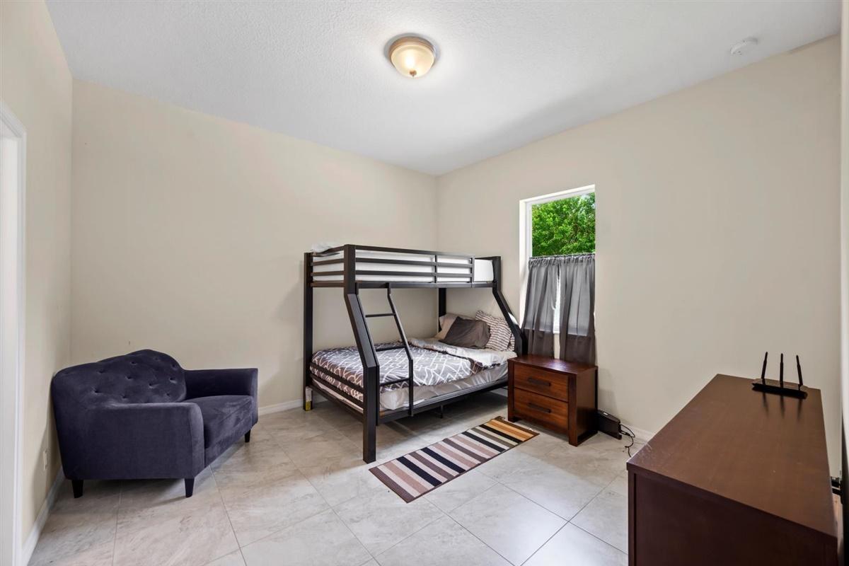 Groom's apt bedroom