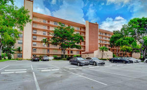 14623  Bonaire Boulevard 410 For Sale 10650633, FL