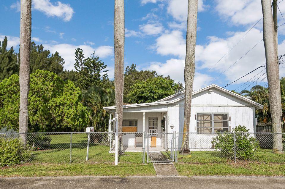 4213 Herbertz Road Lake Worth, FL 33461