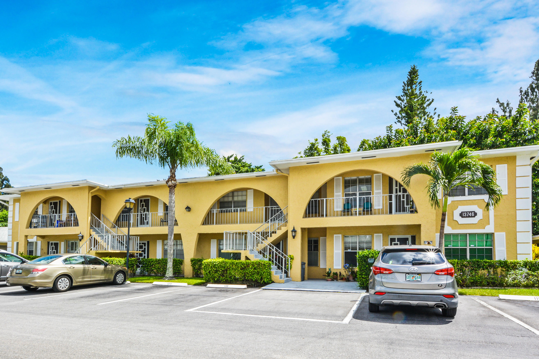 Home for sale in Palm Greens at Villa Del. Delray Beach Florida