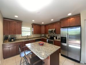 2030 NW 15th Place  For Sale 10647547, FL