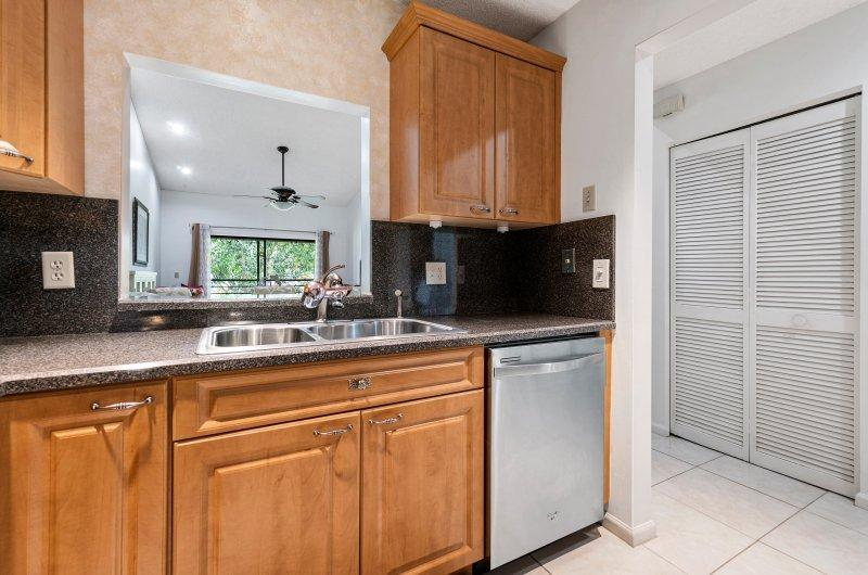 10188 Mangrove Drive 203 Boynton Beach, FL 33437 photo 9