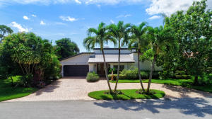919  Foxpointe Circle  For Sale 10651388, FL