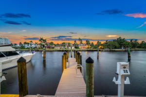 300  Captains Walk 1120 For Sale 10651301, FL