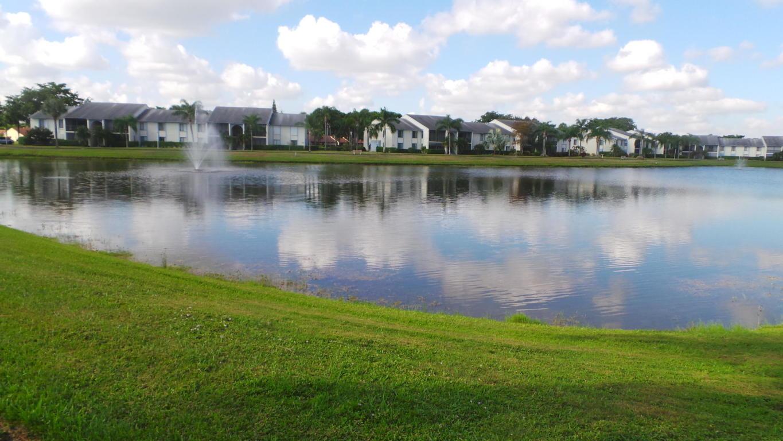 1109 Green Pine Boulevard B1 West Palm Beach, FL 33409 photo 2