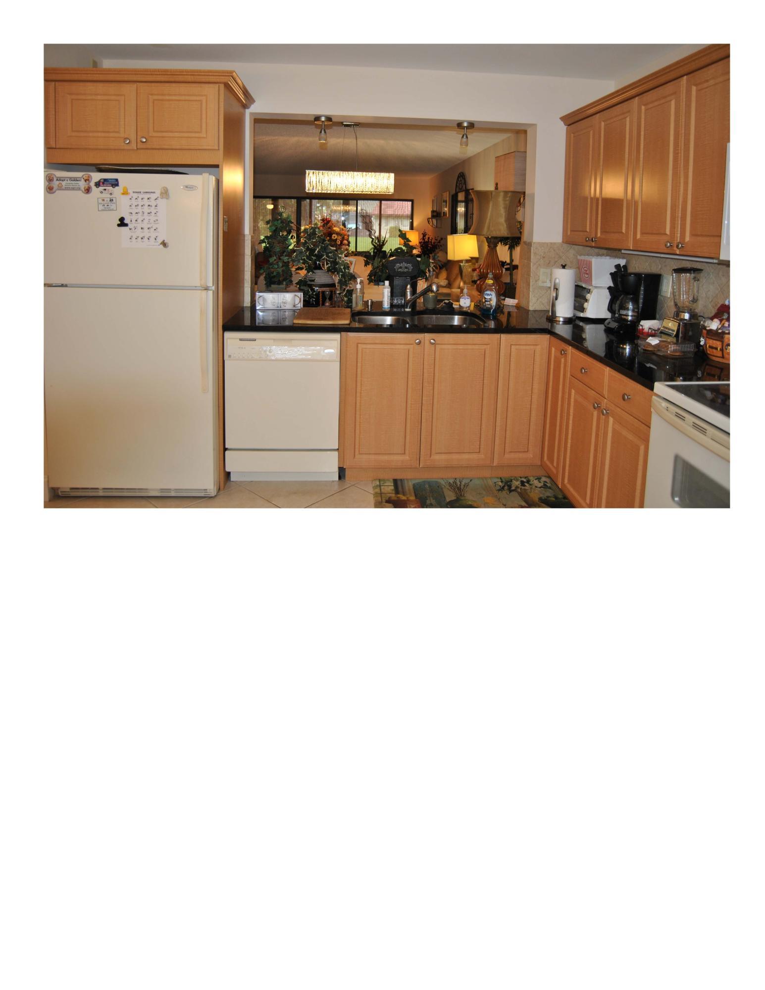 5757 Fairway Park Court 103 Boynton Beach, FL 33437 photo 4