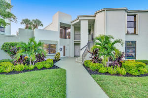6417  La Costa Drive 102 For Sale 10652063, FL