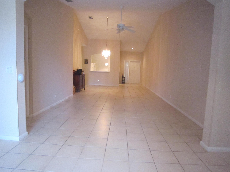 9735 Crescent View Drive Boynton Beach, FL 33437 photo 6