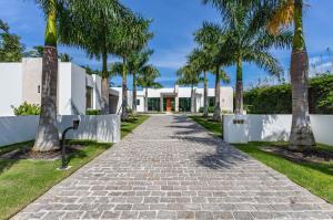 Home for sale in Kinney & Gates Boca Raton Florida