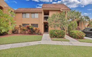 11262  Green Lake Drive 102 For Sale 10652146, FL