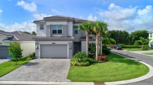 9718  Sterling Shores Street  For Sale 10652175, FL