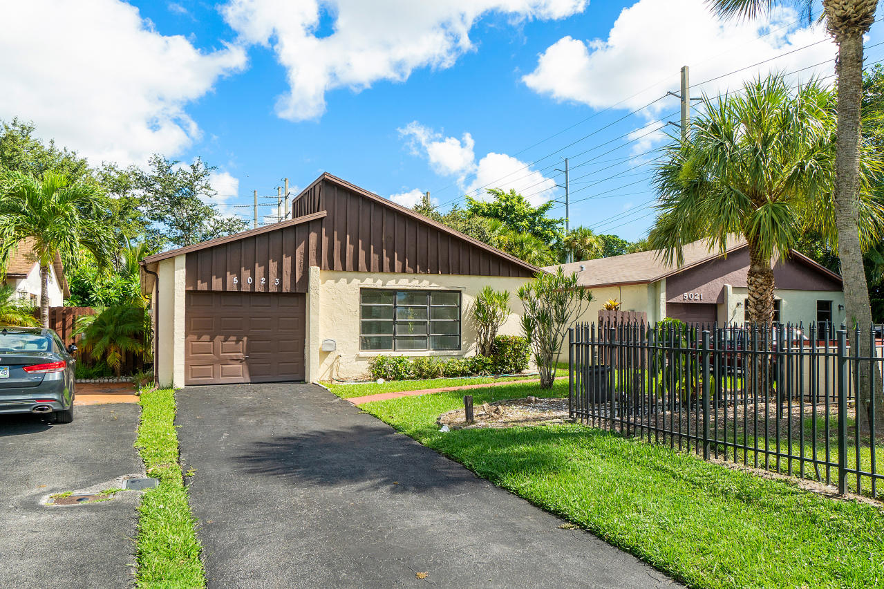 Home for sale in Mirror Lakes Boynton Beach Florida