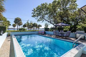 312 S Lakeside Drive B For Sale 10652807, FL