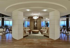 550 S Ocean Boulevard 2001 For Sale 10653430, FL