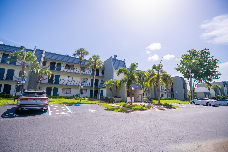 4801 Esedra Court 201 Lake Worth, FL 33467 photo 3