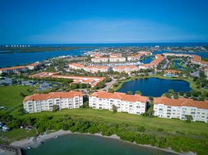 34  Harbour Isle Dr  304 For Sale 10653104, FL